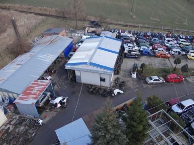 budynki i zepsute samochody Auto Szrot 10